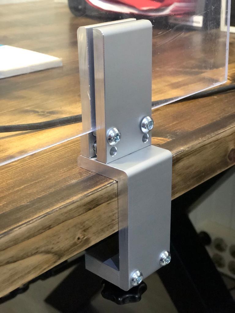 soporte-mesas-oficina-restauracion-proteccion-covid19